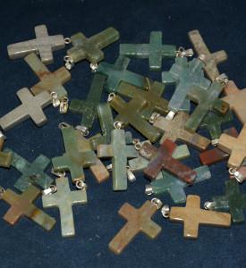 Крестик из яшмы