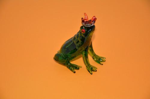 Лягушка с короной ( стекло ). - цена 144.00р.