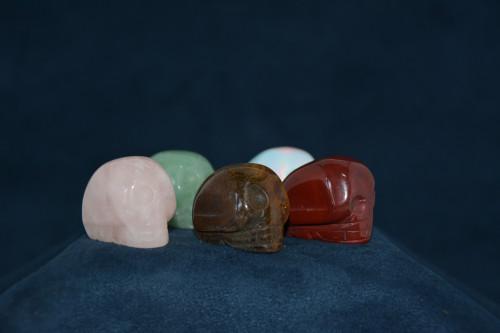 Череп из камня в ассортименте - цена 170.00р.